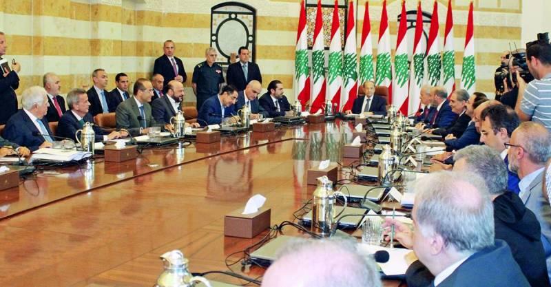 Le président de la République a évoqué les mesures fiscales avec les différents acteurs économiques dans une réunion à Baabda, le 14 août dernier.