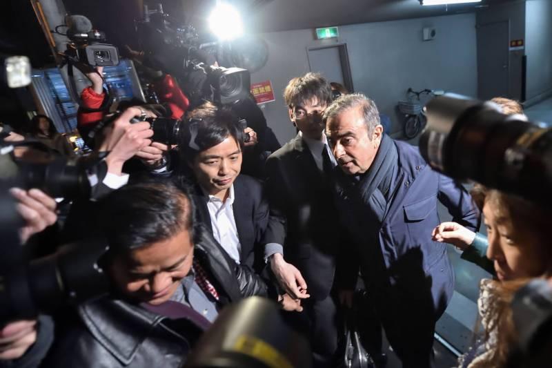 La garde à vue, cette fois pour « abus de confiance aggravé », est la quatrième affaire impliquant Carlos Ghosn