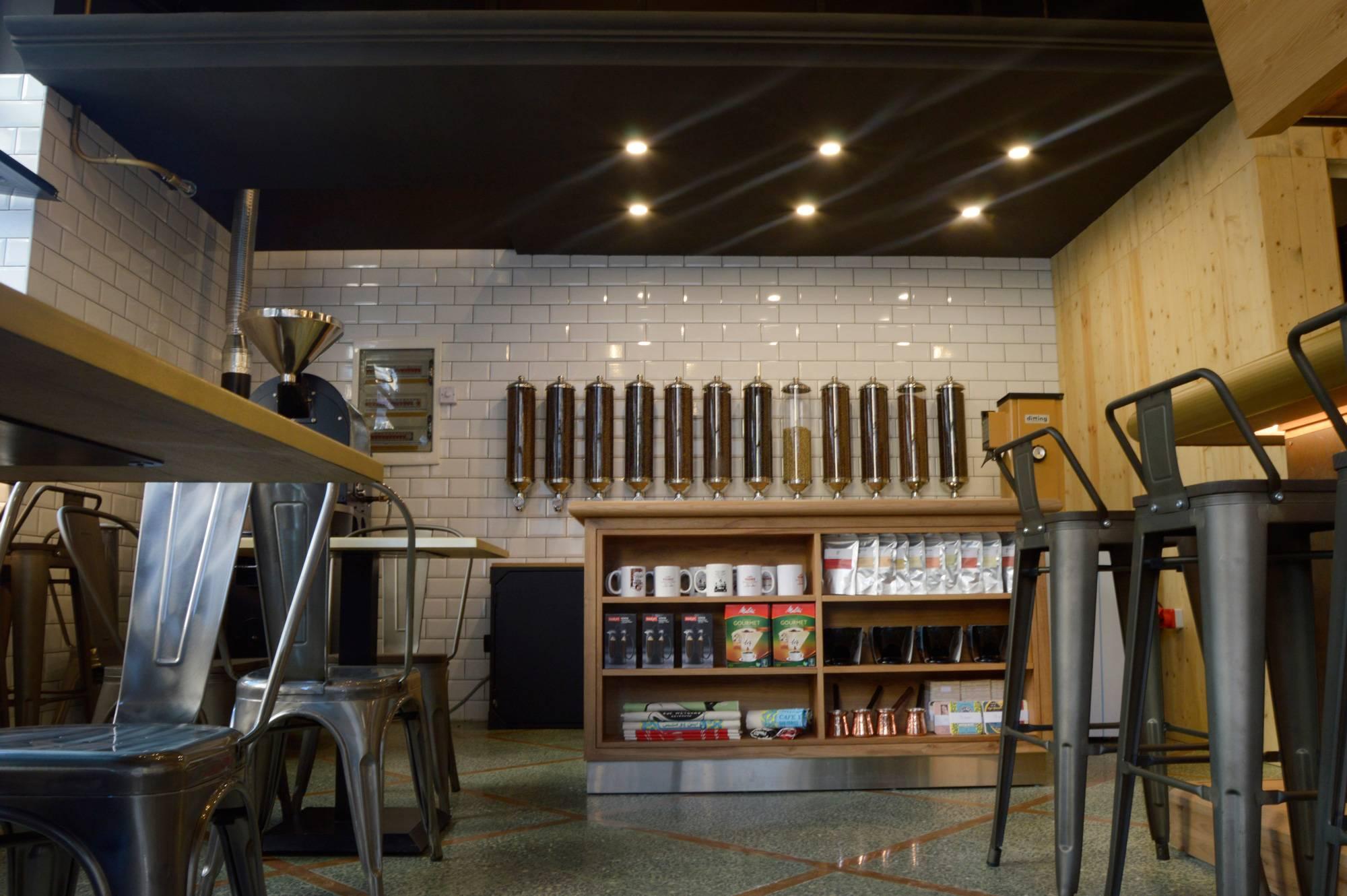 Café Younes se développe