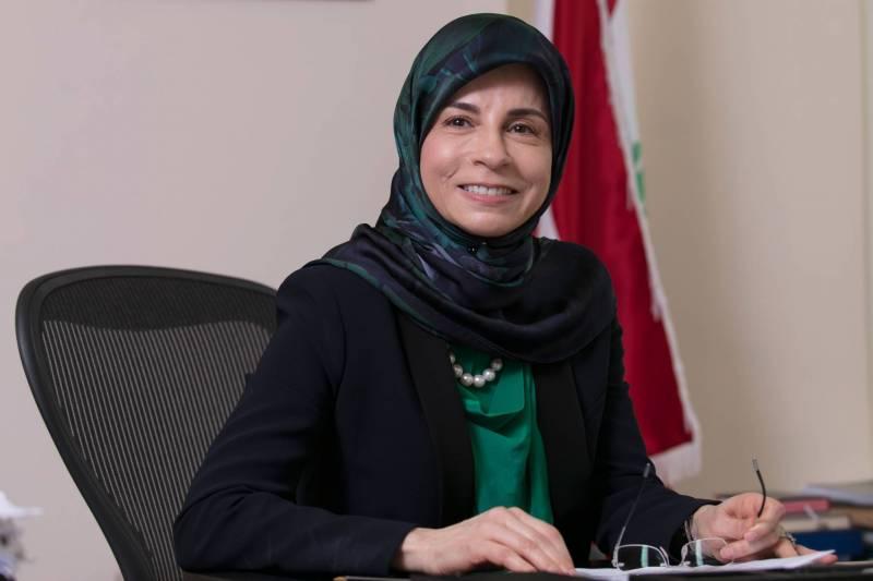 Inaya Ezzeddine : une femme médecin pour soigner l'administration