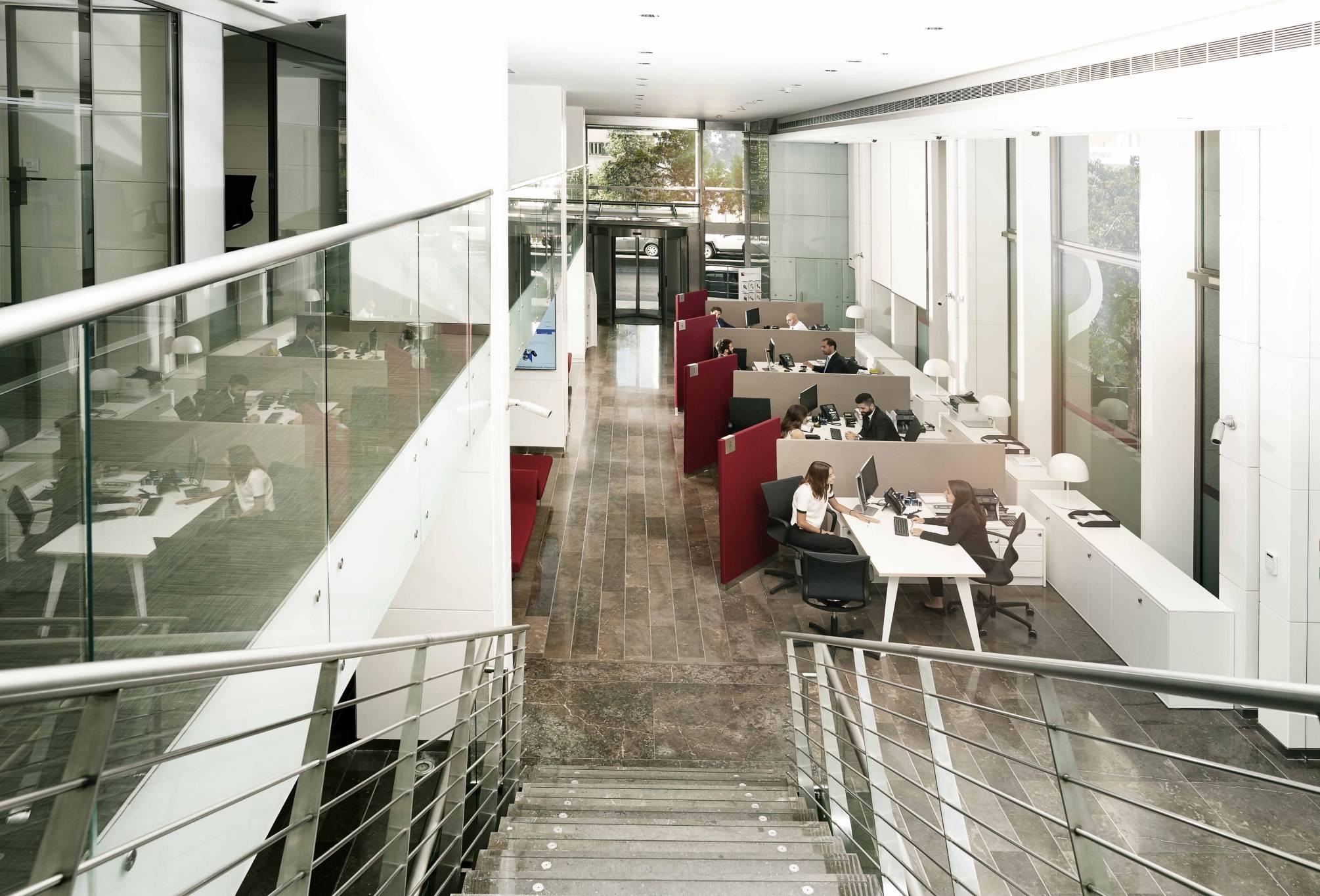 Saradar Bank démarre sa mutation digitale