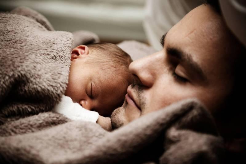 Bientôt trois jours de congé pour les nouveaux pères libanais ?