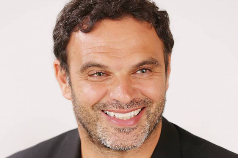 Adib Y. Tohmé est professeur de droit et d'économie, avocat aux barreaux de Beyrouth  et de New York,  et écrivain.