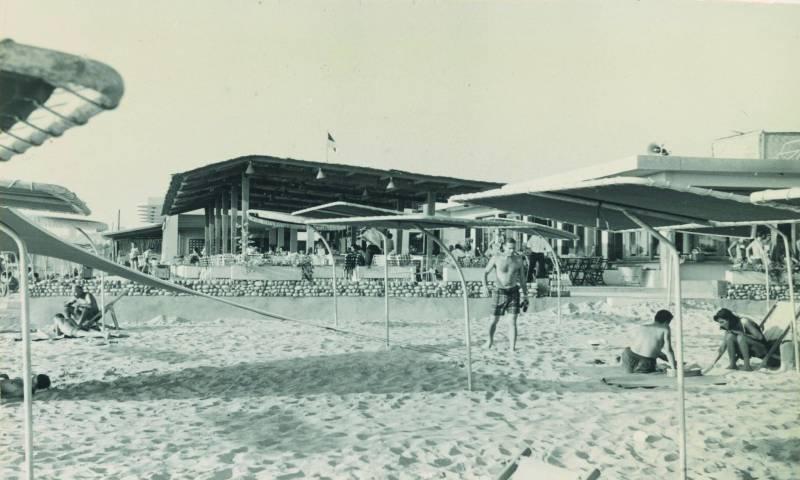 Tourisme balnéaire  : des plages iconiques au règne du béton