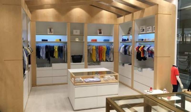 Pear Brands gérait, avant la fusion, une vingtaine de magasins multimarques comme Zahar ou Secret Senses.
