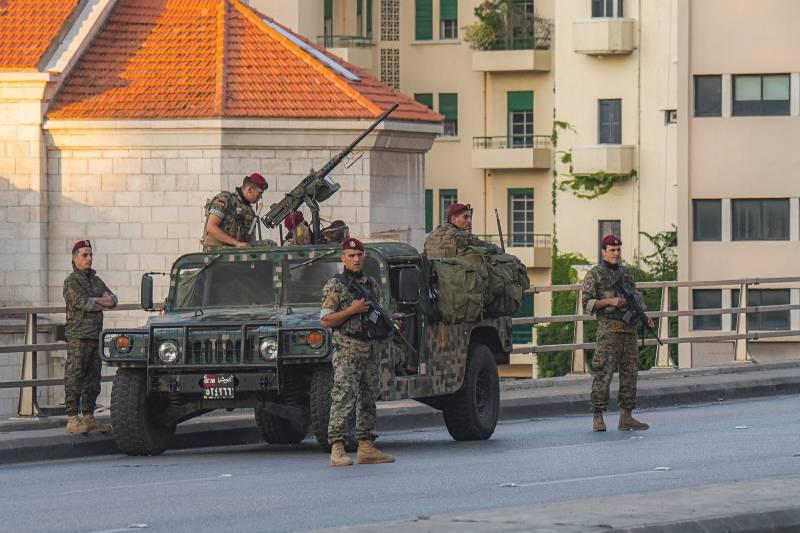 En présentant sa proposition de loi, le député Ali Hassan Khalil voulait récompenser les forces de sécurité «pour le rôle exceptionnel qu'elles jouent» dans des conditions sociales et financières difficiles.