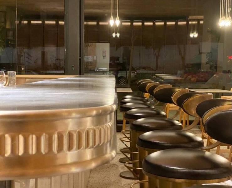 Situé à Minet el-Hosn, le restaurant Kun peut accueillir jusqu'à 210 personnes.