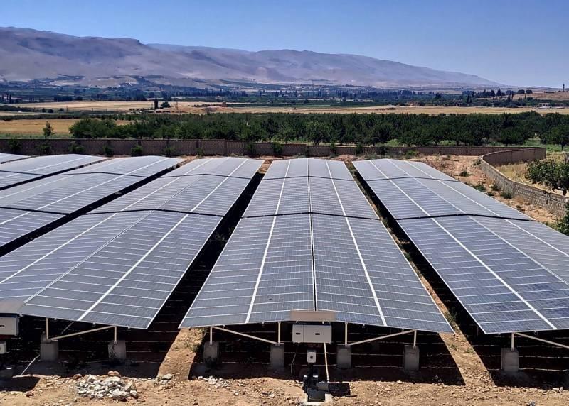 Un parc solaire de 800 kWp et des batteries d'une capacité de 500 kWh installés sur un terrain du couvent de Jabboulé depuis 2019.