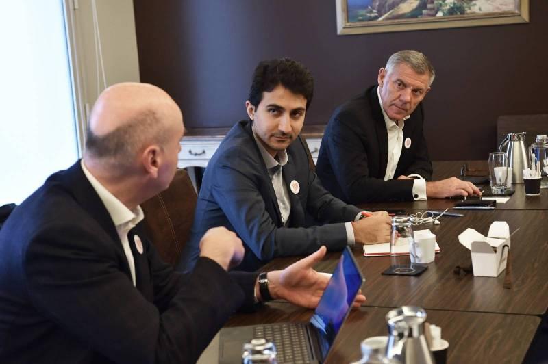 La startup fondée par Adnan el-Bakri (au centre) a mis au point un passeport santé intelligent disponible sur Android et Apple.
